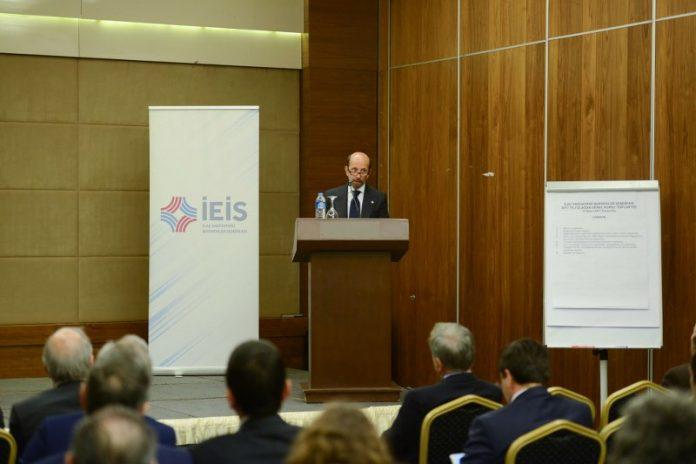 İlaç Endüstrisi İşverenler Sendikası'nın (İEİS) Olağan Genel Kurul Toplantısı'nda Nezih Barut, dördüncü kez yönetim kurulu başkanı seçildi. Yönetim kurulu başkan yardımcılığını ise Ali Arpacıoğlu yeniden getirildi.