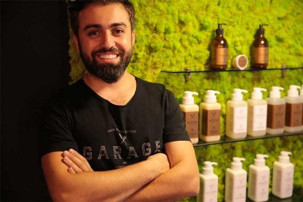 Ahmet Çoban'ın 3 yıla yakın bir süredir planladığı sağlıklı ve doğal saç bakım serisi Garage Organics, bir süredir devam eden Ar-Ge sonrasında, 2015 yılında hayata geçti.