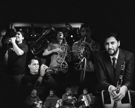 Yarkın Ritm Grubu, günümüzün Balkan Çingene müziğinin en önemli üç topluluğundan biri sayılan Koçani Orkestrası ve klarnetiyle dünyaca ünlü müzisyenlerle ortak çalışmalar yapan Serkan Çağrı, Balkan Ateşi konserinde bir araya geliyor.