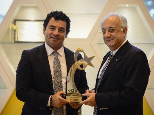 Bursa Oyak Renault Fabrikaları'nda, Türkiye'de 'Yılın Otomobili' gurur günü.