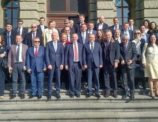 İsviçre Ulusal Merkez Bankası, İsviçre Federal Malzeme Bilimi ve Teknolojileri Merkezi (EMPA) heyet tarafından ziyaret edilen kurumlar arasında yer aldı. İsviçre Büyükelçiliği de heyetin önemli ziyaret adreslerinden biriydi.