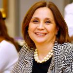 Emine Perviz Erdem Kariyerine Erdem Holding Yönetim Kurulu Üyesi ve Hukuk Danışmanı olarak devam etmekte ve 1990 yılından beri Türk Hava Yolları'nda Müşavir Avukat olarak görev yapmaktadır.
