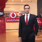 Vodafone Red'in ayrıcalıklarla dolu dünyasının her geçen gün genişlediğine dikkat çeken Vodafone Türkiye İcra Kurulu Başkan Yardımcısı Engin Aksoy, şunları söyledi.