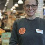 Mağazalarında engelli ve yaşlı müşterileri için sunduğu ayrıcalıklı hizmetleri bir çatı altında toplayan Migros, 'Engelsiz Mağaza' projesini hayata geçirdi.