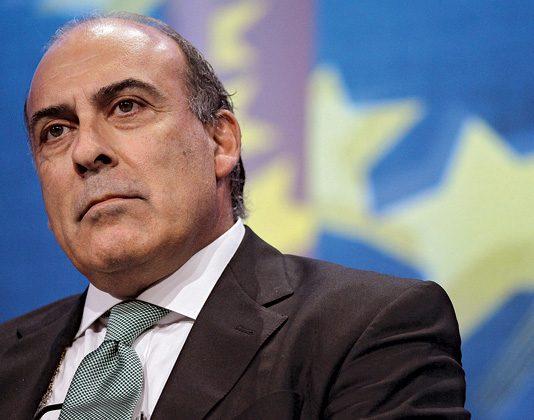 Muhtar Kent, Nisan 2009'dan bu yana The Coca-Cola Company'nin Yönetim Kurulu Başkanı ve CEO görevlerini yürütüyor.