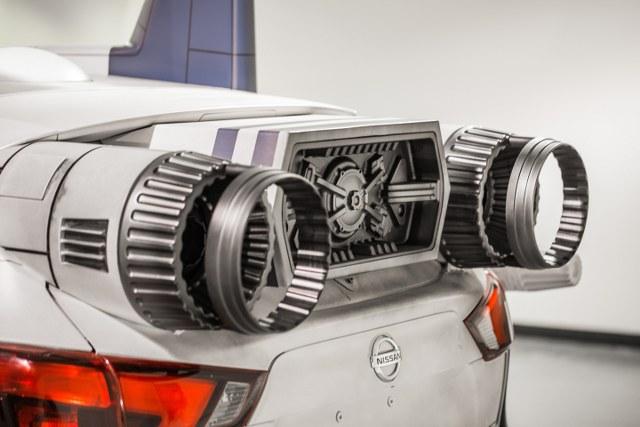 Japon otomotiv devi Nissan, 'Star Wars: The Last Jedi' filmine özel olarak tasarlanan Star Wars temalı konsept araçlarını Los Angeles Otomobil Fuarı'nda tanıttı.