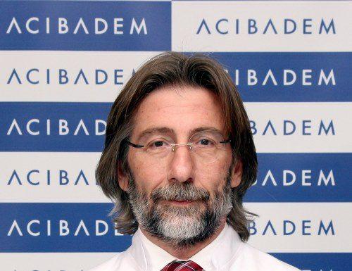 """Türk bilim adamı Prof. Dr. Ercüment Ovalı, """"Kan ve Kök Hücreden Yapay Deri Üretimi"""" ile, dünyanın prestijli tıp ödüllerinden, ABD Plastik ve Rekonstrüktif Cerrahi Derneği'nin 'En İyi Deneysel Araştırma' ödülüne layık görüldü."""