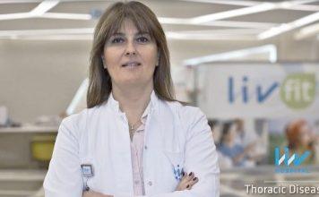 """Liv Hospital Göğüs Hastalıkları Uzmanı Prof. Dr. Ferah Ece """"Uyku bozuklukları solunum düzensizliklerine, bu düzensizlikler de kişinin gece boyunca bazen kısmi bazen de tamamen uyanmasına sebep olur."""""""
