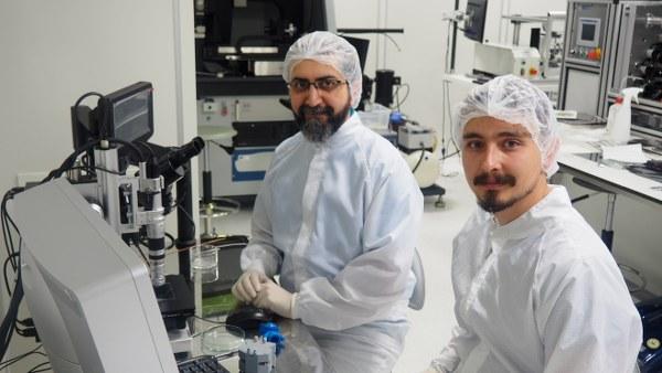 Türk bilim insanları Yrd. Doç. Dr. Özgür Kocatürk, Doç. Dr. Albert Güveniş ve doktora öğrencisi Sefa Zülfikar'ın geliştirdiği ağız içi aparatı sayesinde hastalık artık kolayca tedavi edebilecek.