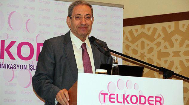 """TELKODER Başkanı Yusuf Ata Arıak, """"Ülkemizde bazı bölgelere coğrafi nedenlerden dolayı fiber altyapısının ulaşması mümkün değil. Bu nedenle yaklaşık 5 milyon kişi fiber üzerinden hızlı internete erişemiyor."""