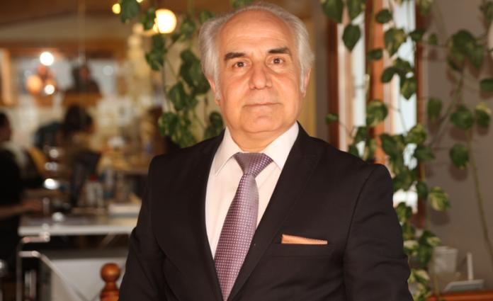 YoStartups CEO'su Abdullah Bozgeyik resmi ve görseli.