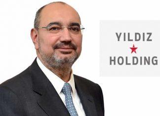 Ali Ülker, 1986-1998 yılları arasında çikolata üretim tesislerinde ve Atlas Gıda Pazarlama A.Ş.'de Stajyer, Satış Yöneticisi, Satış Koordinatörü, Ürün Grup Koordinatörü ve Ürün Grup Müdürü pozisyonlarında görev aldı. Haber detayı CEO Haber'de.