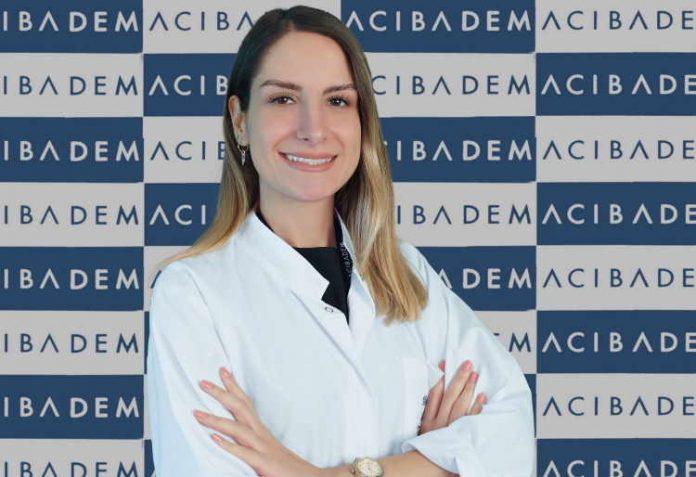 Acıbadem Kozyatağı Hastanesi Beslenme ve Diyet Uzmanı Ayşe Sena Binöz görseli CEO haber'de.