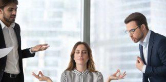 Evde rahatlıkla yapılabilen meditasyon, uyanıklık ve konsatrasyon çalışmalarıyla kişinin zihnini, ruhunu dinlendirmesine yardımcı oluyor. Meditasyonun fiziksel ve zihinsel detoks etkisi yaptığını söyleyen DoktorTakvimi.com uzmanlarından Uzman Klinik Psikolog Osman Yıldız, bu yöntemle ilgili merak edilenleri anlatıyor haber görseli CEO Haber'de.