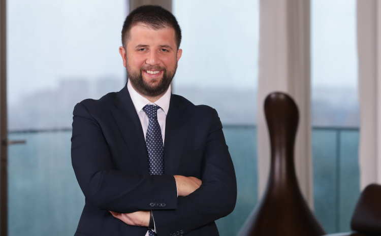 Akfen Holding Yönetim Kurulu Başkan Vekili Selim Akın aynı zamanda Akfen Holding'in yeni CEO'su olarak atandı haberi CEO Haber'de.