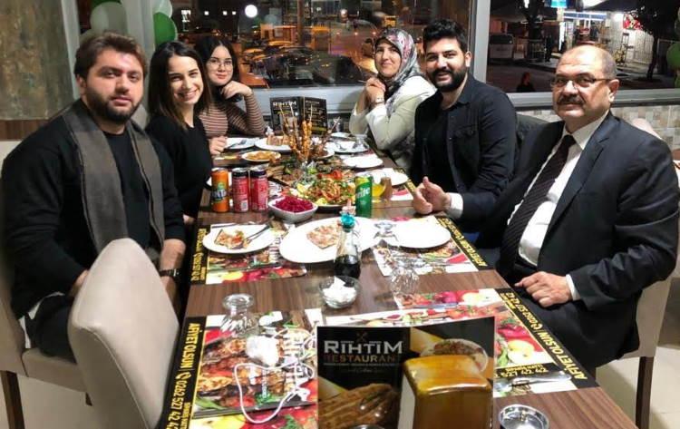 Rıhtım Restaurant Müdürü Kadir Kurtlar görseli.